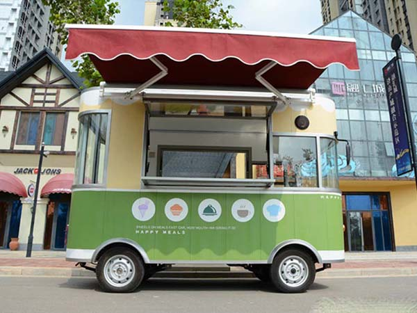 Green Mobile Food Trailer Truck